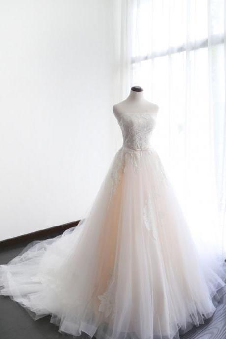 Lace Appliques Strapless Straight-Across Floor Length Tulle Wedding Gown Featuring Train