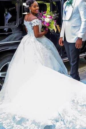 2019 New African Lace Ball Gown Wedding Dresses